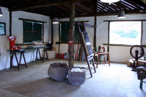 Vista interna do ateliê da Oficina da Lã