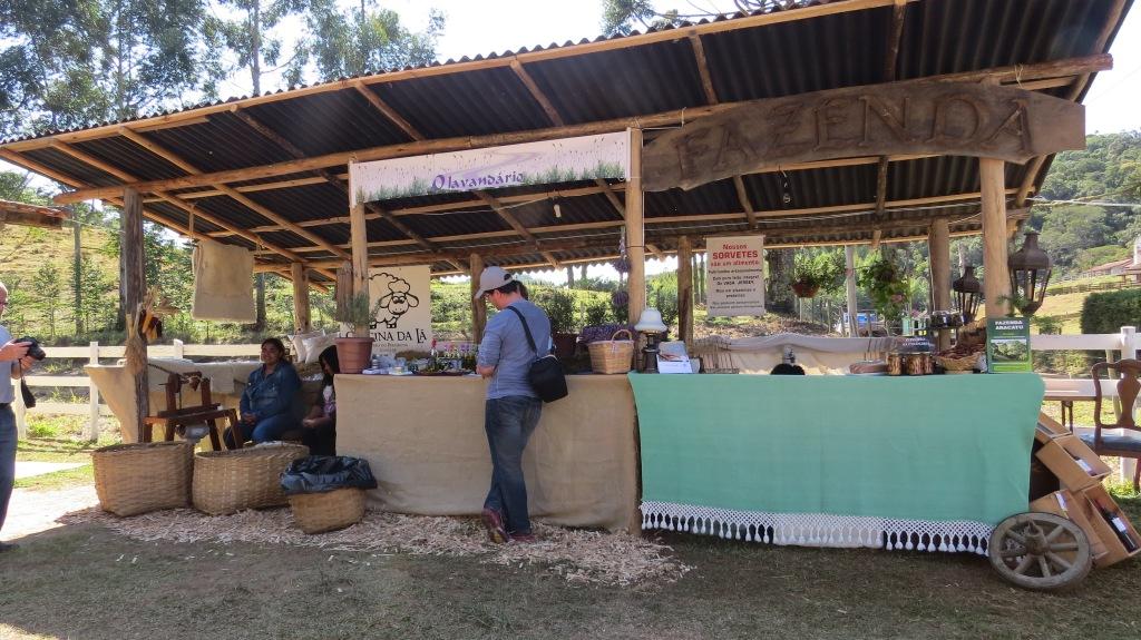 Quiosques da Oficina da Lã, O Lavandário e Fazenda Aracatu